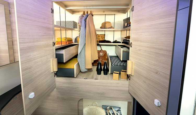 Chausson 630 Wardrobe