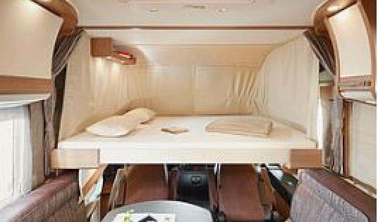 Malibu I 440 QB 4 berth 6.99m motorhome Bed 2